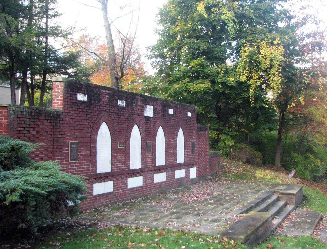 Memorial to All Wars, Oberlin, Ohio. Photograph courtesy Erik Inglis.